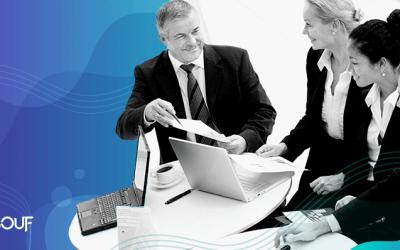Empresários em reunião no escritorio - Renegociação com fornecedores
